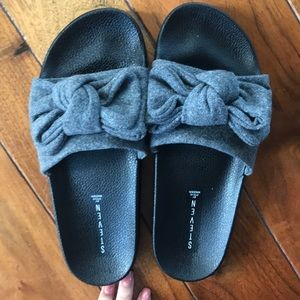 196a4087100 Gray Wool Bow Slide Sandals